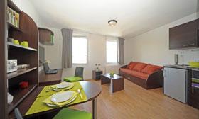 Coin salon appartement étudiant Central Fac
